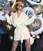 Christina_Aguilera_-_D23_Disney_2B_event_at_Anaheim_Convention_Center_on_August_232C_2019_in_Anaheim2C_CA-25.jpg