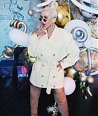 Christina_Aguilera_-_D23_Disney_2B_event_at_Anaheim_Convention_Center_on_August_232C_2019_in_Anaheim2C_CA-26.jpg