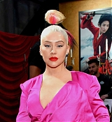 Christina_Aguilera_-_Disney_s_Mulan_Premiere_in_Hollywood2C_California__-_March_9-05.jpg