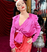 Christina_Aguilera_-_Disney_s_Mulan_Premiere_in_Hollywood2C_California__-_March_9-06.jpg