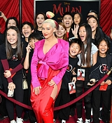 Christina_Aguilera_-_Disney_s_Mulan_Premiere_in_Hollywood2C_California__-_March_9-07.jpg