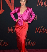 Christina_Aguilera_-_Disney_s_Mulan_Premiere_in_Hollywood2C_California__-_March_9-08.jpg