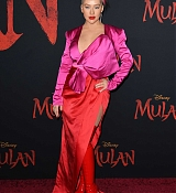 Christina_Aguilera_-_Disney_s_Mulan_Premiere_in_Hollywood2C_California__-_March_9-23.jpg