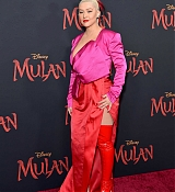 Christina_Aguilera_-_Disney_s_Mulan_Premiere_in_Hollywood2C_California__-_March_9-35.jpg