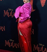 Christina_Aguilera_-_Disney_s_Mulan_Premiere_in_Hollywood2C_California__-_March_9-68.jpg