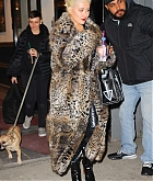 Christina_Aguilera_-_Exits_a_NYE_rehearsal_at_SIR_Studios_in_NYC_December_302C_2018-02.jpg