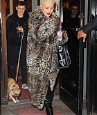 Christina_Aguilera_-_Exits_a_NYE_rehearsal_at_SIR_Studios_in_NYC_December_302C_2018-03.jpg