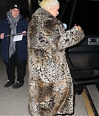 Christina_Aguilera_-_Exits_a_NYE_rehearsal_at_SIR_Studios_in_NYC_December_302C_2018-05.jpg