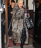Christina_Aguilera_-_Exits_a_NYE_rehearsal_at_SIR_Studios_in_NYC_December_302C_2018-07.jpg