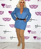 Christina_Aguilera_-_Honored_at__Mask_Off_Gala__in_Las_Vegas2C_03_October_2019-07.jpg