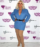 Christina_Aguilera_-_Honored_at__Mask_Off_Gala__in_Las_Vegas2C_03_October_2019-08.jpg