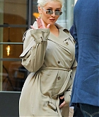 Christina_Aguilera_-_In_New_York_City_-_May_22C_2018-03.jpg