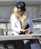 Christina_Aguilera_-_In_Venice_on_September_9-06.jpg
