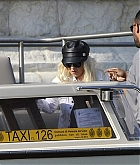 Christina_Aguilera_-_In_Venice_on_September_9-08.jpg