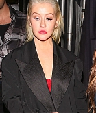 Christina_Aguilera_-_In_West_Hollywood_on_November_20-05.jpg