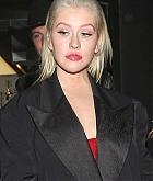 Christina_Aguilera_-_In_West_Hollywood_on_November_20-06.jpg