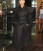 Christina_Aguilera_-_Leaving_The_Tonight_Show_in_New_York_City_on_June_14-03.jpg