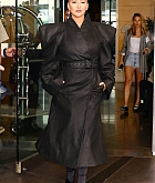 Christina_Aguilera_-_Leaving_The_Tonight_Show_in_New_York_City_on_June_14-04.jpg