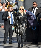 Christina_Aguilera_-_Outside__Jimmy_Kimmel_Live__in_LA_September_122C_2018-05.jpg