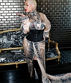 Christina_Aguilera_-_PFW_Jean_Paul_Gaultier_Haute_Couture_FallWinter_2019_2020_on_July_03-01.jpg