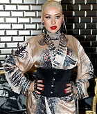 Christina_Aguilera_-_PFW_Jean_Paul_Gaultier_Haute_Couture_FallWinter_2019_2020_on_July_03-02.jpg