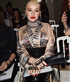 Christina_Aguilera_-_PFW_Jean_Paul_Gaultier_Haute_Couture_FallWinter_2019_2020_on_July_03-10.jpg