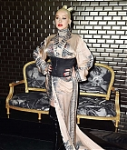 Christina_Aguilera_-_PFW_Jean_Paul_Gaultier_Haute_Couture_FallWinter_2019_2020_on_July_03-11.jpg