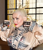 Christina_Aguilera_-_PFW_Jean_Paul_Gaultier_Haute_Couture_FallWinter_2019_2020_on_July_03-26.jpg