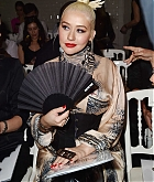 Christina_Aguilera_-_PFW_Jean_Paul_Gaultier_Haute_Couture_FallWinter_2019_2020_on_July_03-35.jpg