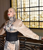 Christina_Aguilera_-_PFW_Jean_Paul_Gaultier_Haute_Couture_FallWinter_2019_2020_on_July_03-38.jpg