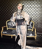 Christina_Aguilera_-_PFW_Jean_Paul_Gaultier_Haute_Couture_FallWinter_2019_2020_on_July_03-40.jpg