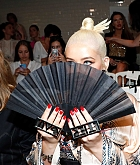 Christina_Aguilera_-_PFW_Jean_Paul_Gaultier_Haute_Couture_FallWinter_2019_2020_on_July_03-42.jpg
