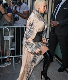 Christina_Aguilera_-_PFW_Jean_Paul_Gaultier_Haute_Couture_FallWinter_2019_2020_on_July_03-43.jpg
