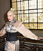 Christina_Aguilera_-_PFW_Jean_Paul_Gaultier_Haute_Couture_FallWinter_2019_2020_on_July_03-44.jpg