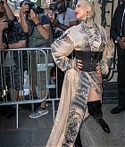Christina_Aguilera_-_PFW_Jean_Paul_Gaultier_Haute_Couture_FallWinter_2019_2020_on_July_03-47.jpg