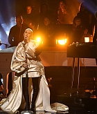Christina_Aguilera_-_Performs_at_2019_American_Music_Awards_at_Microsoft_Theater_on_November_242C_2019-02.jpg