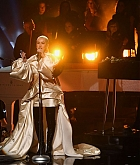 Christina_Aguilera_-_Performs_at_2019_American_Music_Awards_at_Microsoft_Theater_on_November_242C_2019-04.jpg