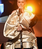 Christina_Aguilera_-_Performs_at_2019_American_Music_Awards_at_Microsoft_Theater_on_November_242C_2019-07.jpg