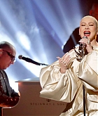 Christina_Aguilera_-_Performs_at_2019_American_Music_Awards_at_Microsoft_Theater_on_November_242C_2019-15.jpg