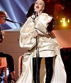 Christina_Aguilera_-_Performs_at_2019_American_Music_Awards_at_Microsoft_Theater_on_November_242C_2019-18.jpg