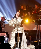 Christina_Aguilera_-_Performs_at_2019_American_Music_Awards_at_Microsoft_Theater_on_November_242C_2019-19.jpg