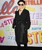 Christina_Aguilera_-_Stella_McCartney_Show_in_Hollywood2C_CA_on_January_16-01.jpg