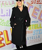 Christina_Aguilera_-_Stella_McCartney_Show_in_Hollywood2C_CA_on_January_16-07.jpg