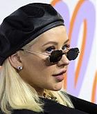 Christina_Aguilera_-_Stella_McCartney_Show_in_Hollywood2C_CA_on_January_16-12.jpg