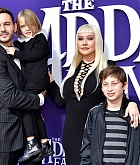 Christina_Aguilera_-_The_Addams_Family_Premiere__in_Los_Angeles_-_October_062C_2019-07.jpg
