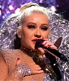 Christina_Aguilera_-_The_X_Tour_in_London2C_England_November_102C_2019-22.jpg