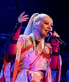 Christina_Aguilera_-_The_X_Tour_in_London2C_England_November_102C_2019-23.jpg