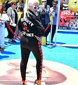 Christina_Aguilera_-__Emoji__Premiere_in_Los_Angeles_on_July_23-03.jpg