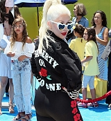 Christina_Aguilera_-__Emoji__Premiere_in_Los_Angeles_on_July_23-07.jpg