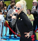 Christina_Aguilera_-__Emoji__Premiere_in_Los_Angeles_on_July_23-15.jpg
